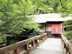 Chez Brousse(シェ ブラウゼ)  岐阜県多治見市小名田町小滝5-6