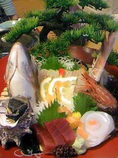 21 ホテル夕食(お刺身:鯛・烏賊・マグロ・サザエ・甘海老)