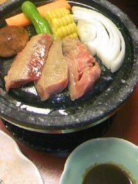 22 ホテル夕食(焼き物:お肉・野菜)__