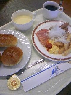 28 ホテル朝食(バイキング)
